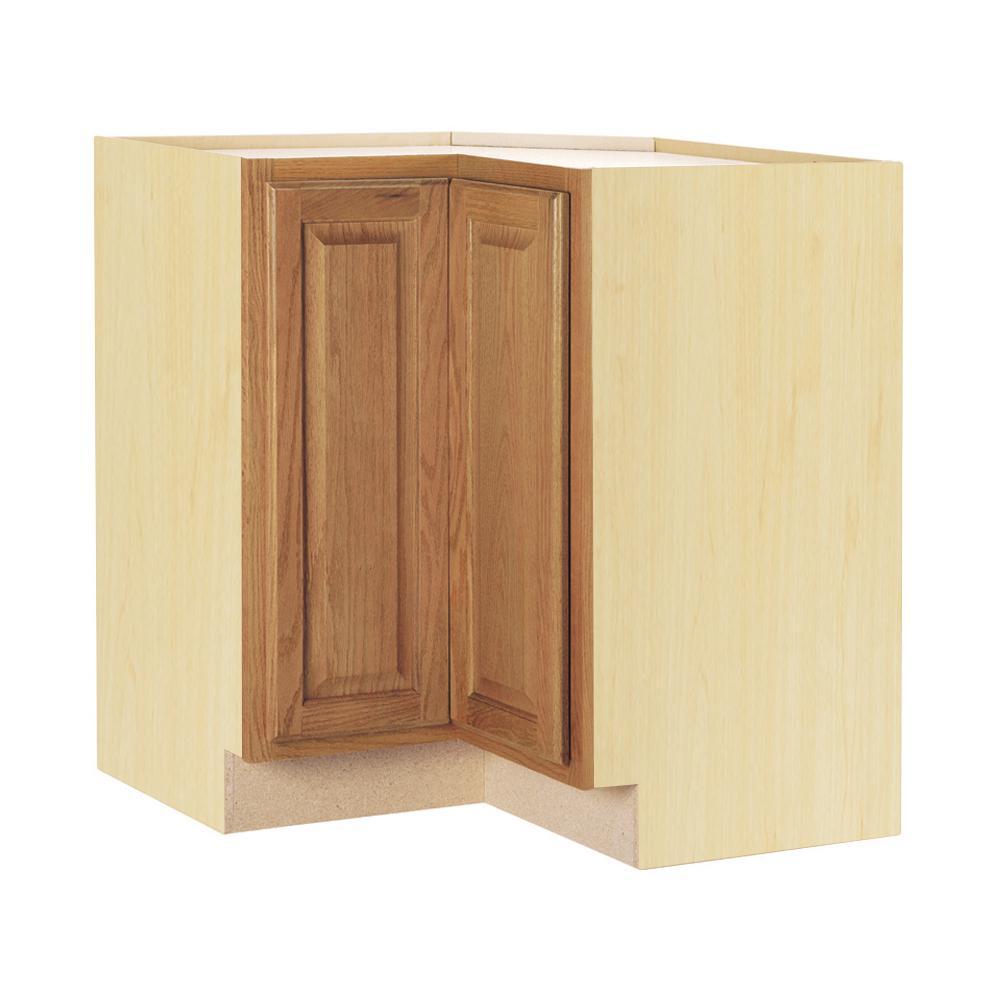 Hampton Assembled 28.5x34.5x16.5 in. Lazy Susan Corner Base Kitchen Cabinet in Medium Oak