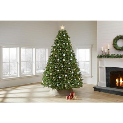 9 ft Lachlan Balsam Fir LED Pre-Lit Artificial Christmas Tree with 2040 Color Changing Lights with 7 Functions