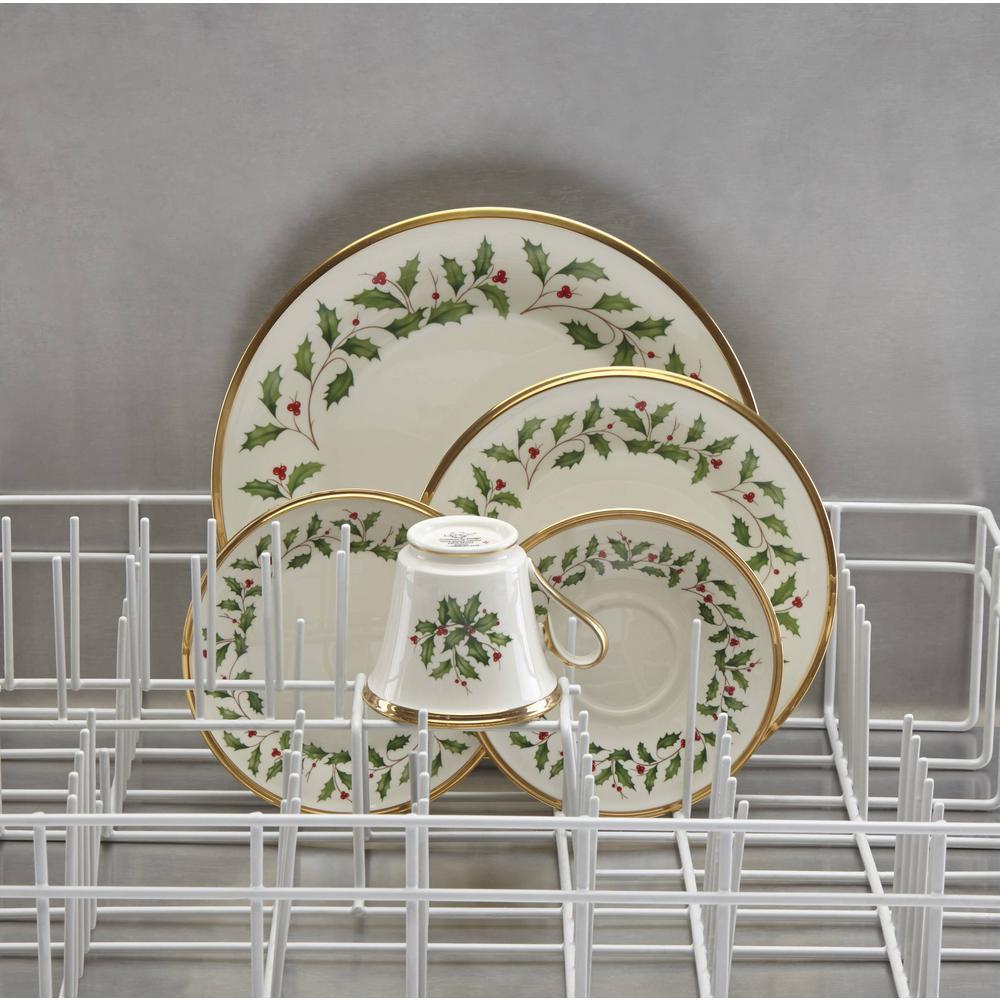 Holiday 6-Piece Seasonal Ivory Bone China Dinnerware Set (Service for 6)