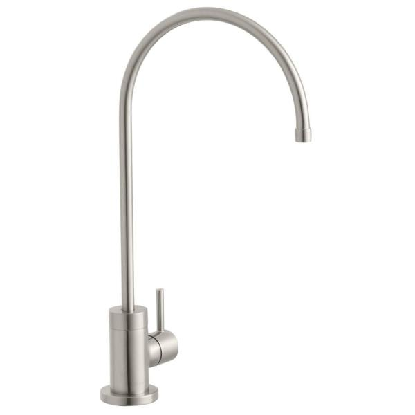 Modern Single-Handle Water Filtration Faucet in Stainless Steel