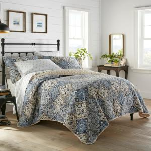 Arell 3-Piece Blue Floral Cotton Full/Queen Quilt Set