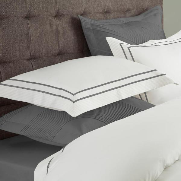 Textrade International Limited Lucas White and Gray Queen Duvet Set DS_00107