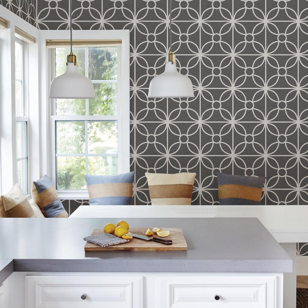 Savvy Black Geometric Wallpaper