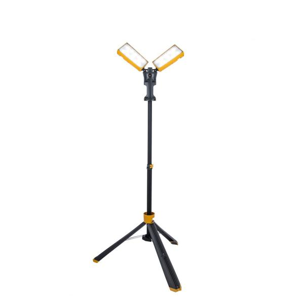 7000-Lumen Integrated LED Work Light with Tripod
