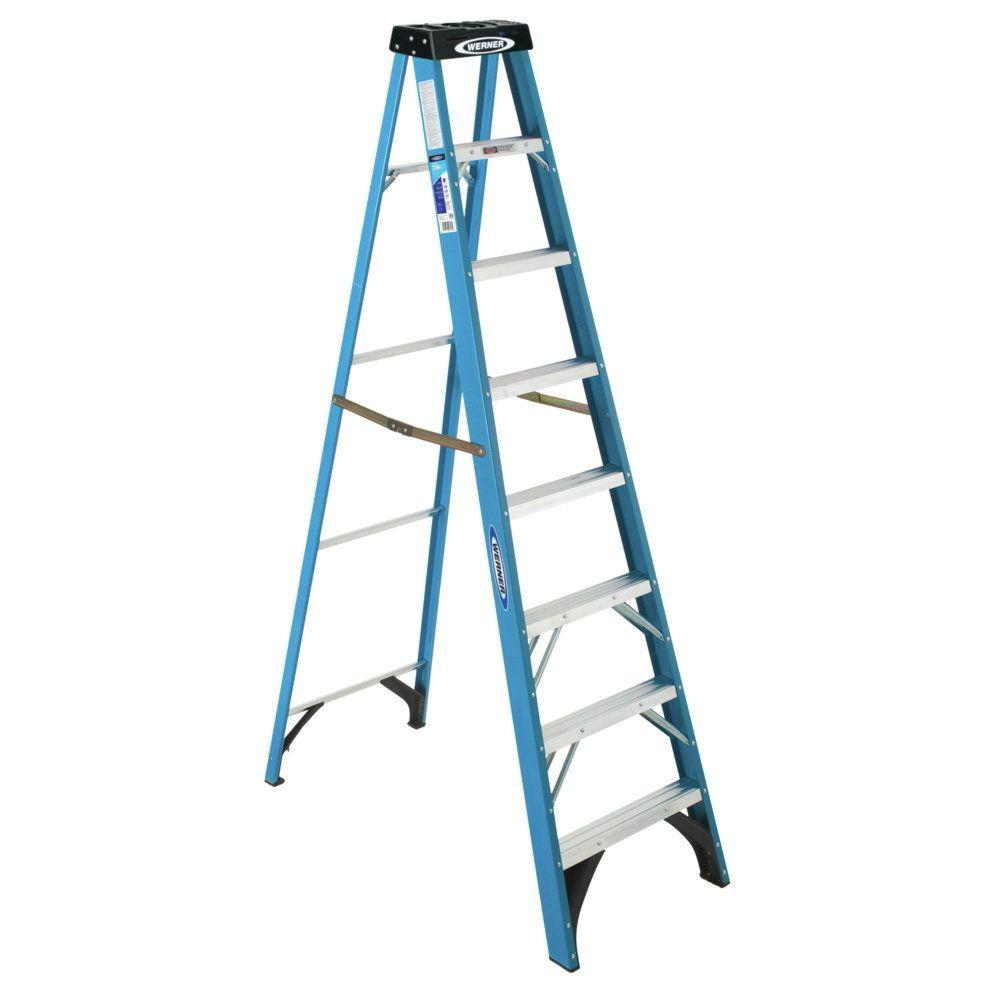 Werner 8 Ft Fiberglstep Ladder With 250 Lb Load Capacity Type I Duty