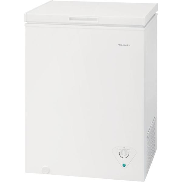 Frigidaire 5 Cu Ft Chest Freezer In White Ffcs0522aw The Home Depot