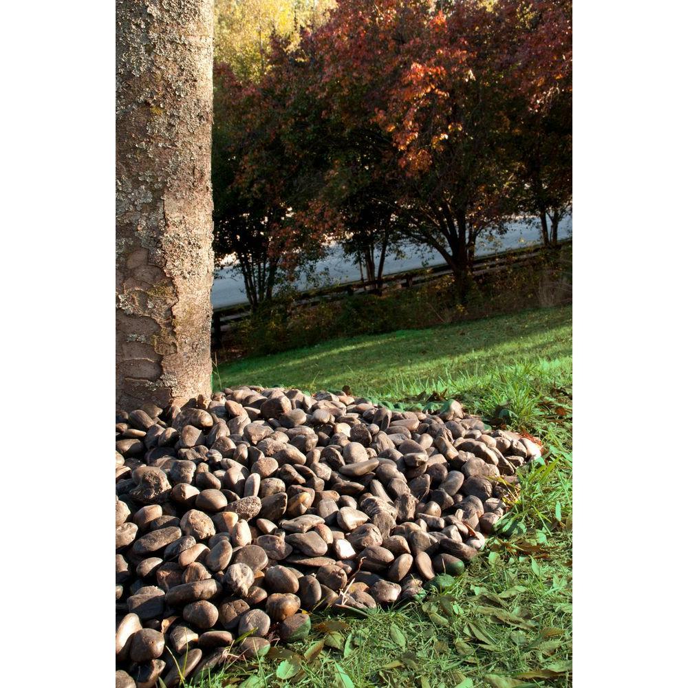 Black Polished 0.5 cu. ft . 0.25 to 0.5 in. Pebbles 40 lb. Bag (28 Bags / Pallet)