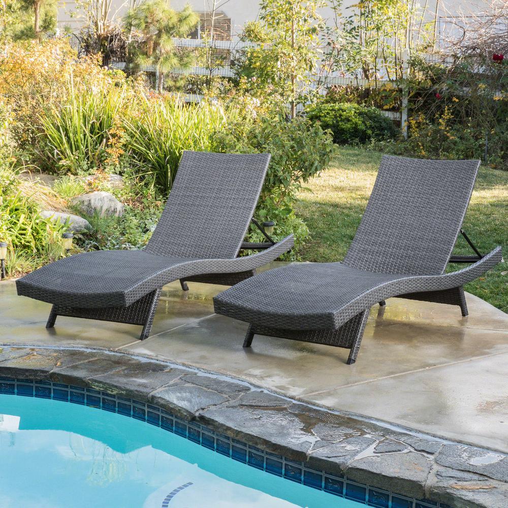 Salem Grey 2-Piece Wicker Outdoor Chaise Lounge