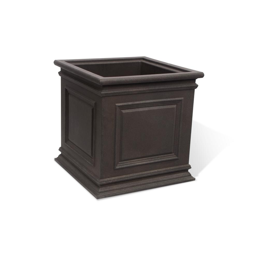 Covington 20 in. Brownstone Self-Watering Planter