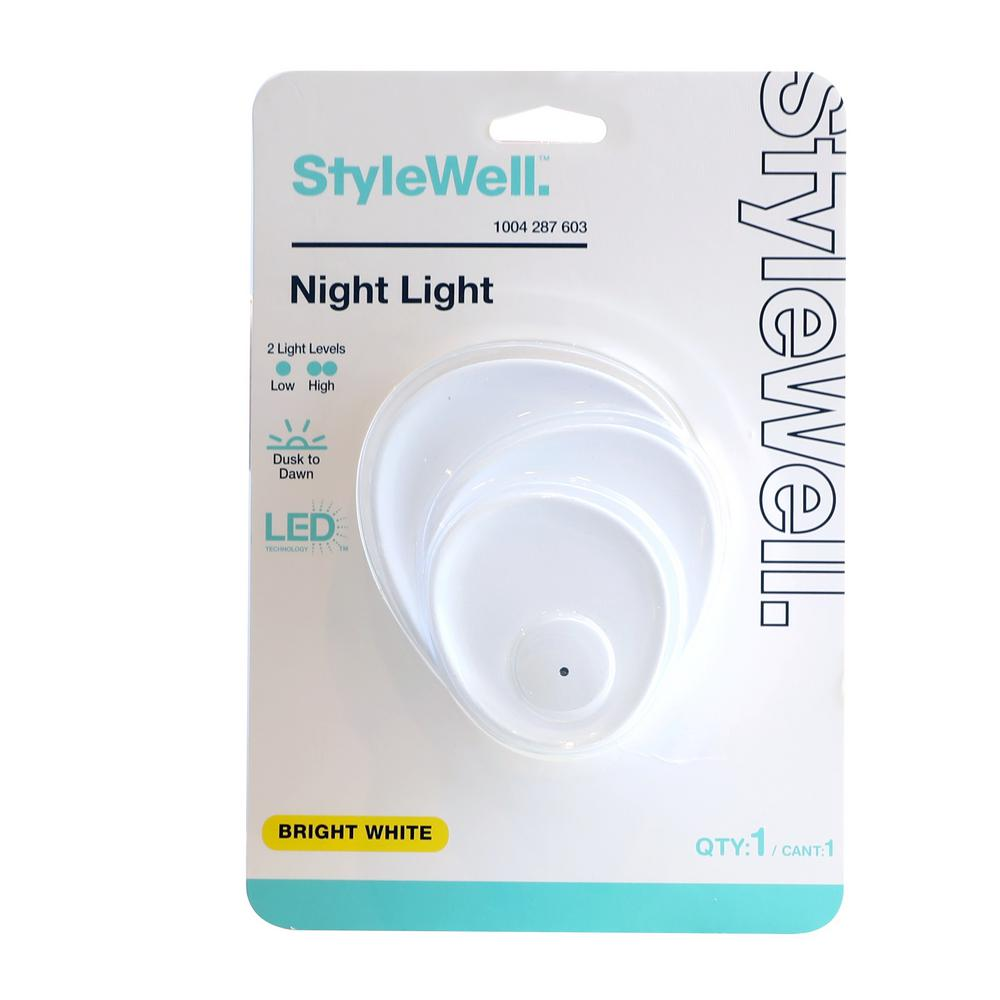 Stylewell StyleWell Coral Dusk to Dawn and 2 Ways Lumens Switch Automatic LED Night Light