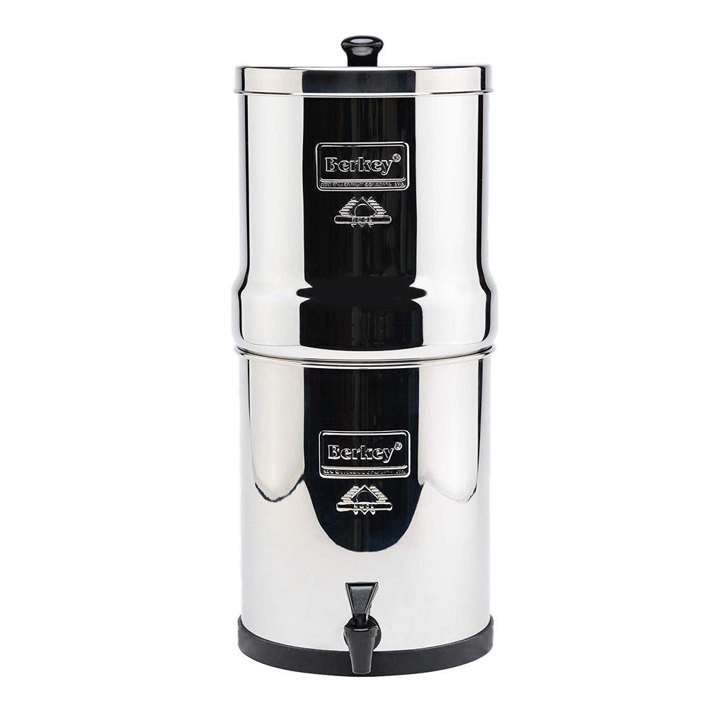 Berkey Big Water Filter with 2 Berkey Black Water Filter Cartridge, and 2 Flouride Filter Cartridge. 2.25 Gallon Capacity