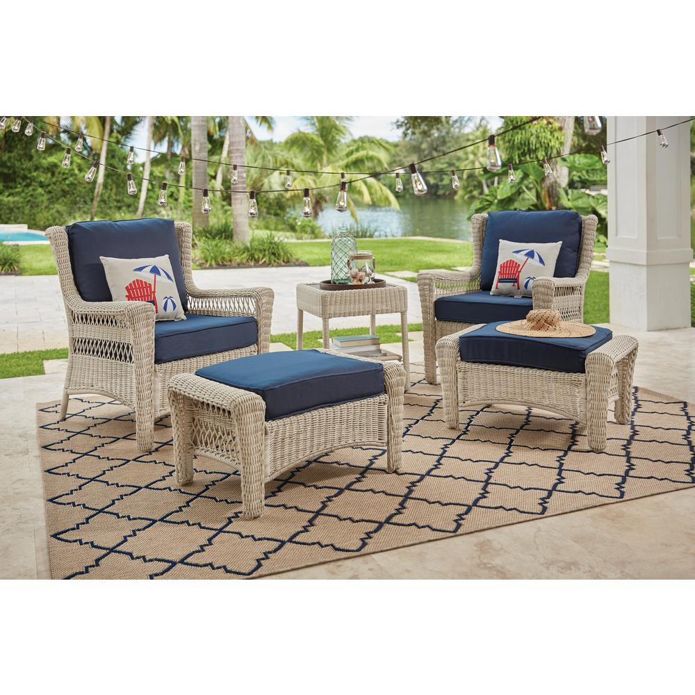 Park Meadows Off White 5 Piece Wicker Outdoor Patio Conversation Set With Midnight Cushions