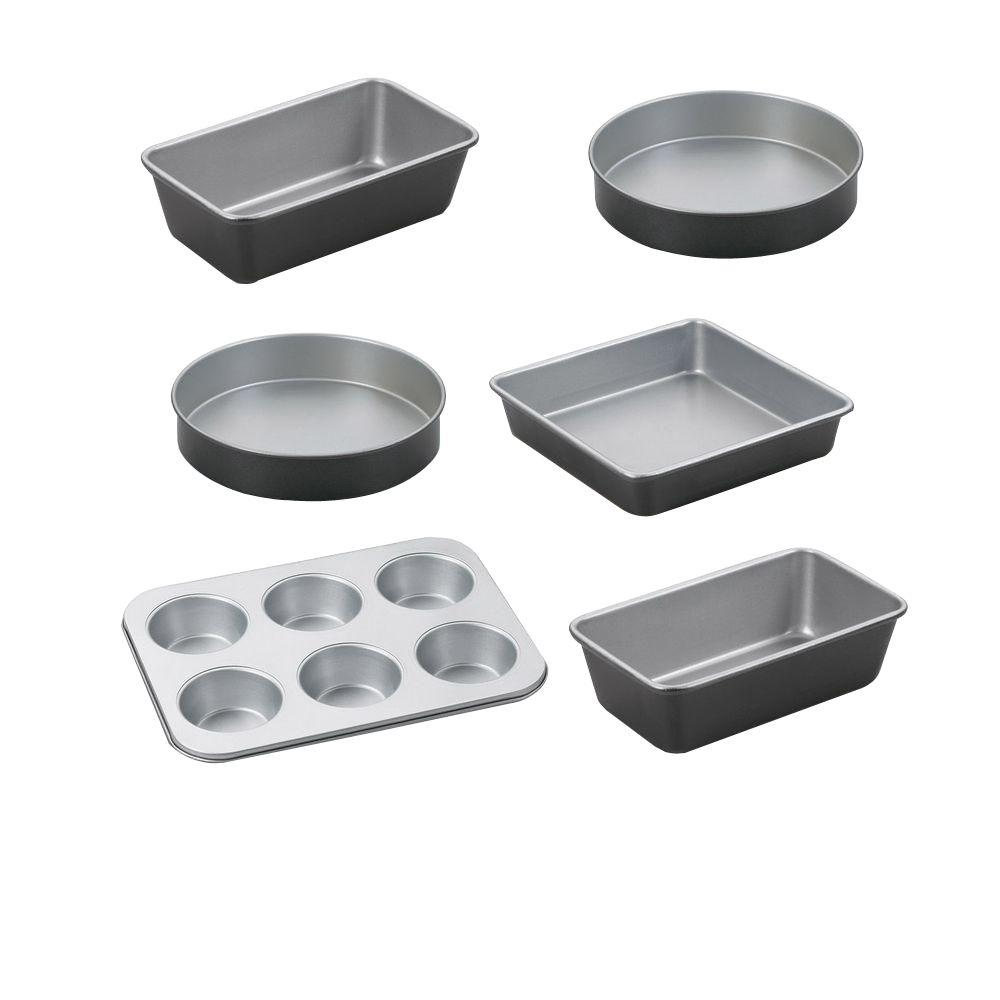 Cuisinart 4-Piece Bakeware Set with 9 in. Bonus Loaf and 9 in. Bonus Round