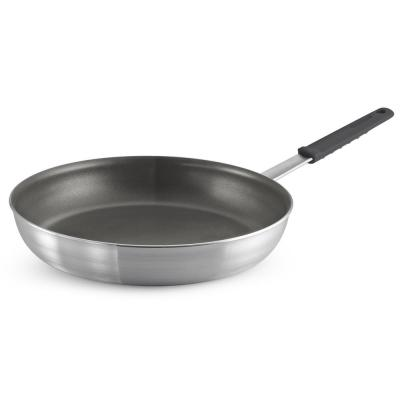 Professional Fusion 14 in. Aluminum Frying Pan in Satin Silver