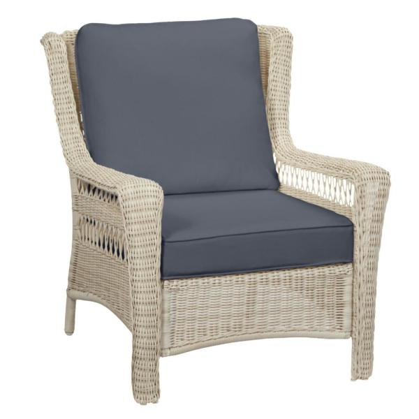Park Meadows Off-White Wicker Outdoor Patio Lounge Chair with CushionGuard Sky Blue Cushions