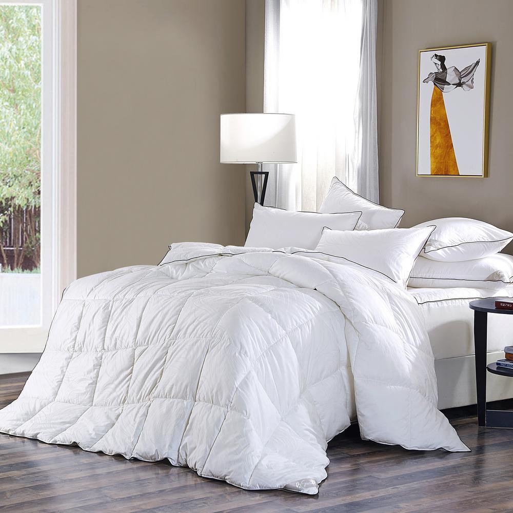 All Season White Solid Queen Comforter