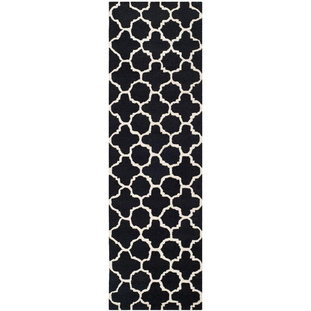 Safavieh Cambridge Black/Ivory 2 ft. 6 in. x 12 ft. Runner