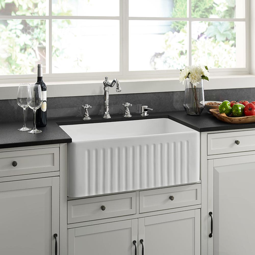 Swiss Madison Delice Farmhouse Ceramic 30 in. x 18 in. Single Bowl Kitchen  Sink in White