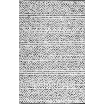 Natosha Indoor Outdoor Chevron Striped Silver 8 Ft 6 In X 11