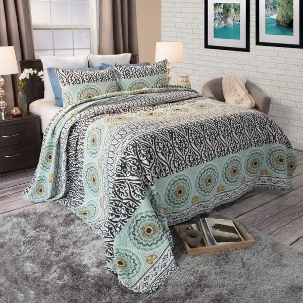 Lavish Home Muna Green Cotton Full and Queen Quilt 66-10049-FQ
