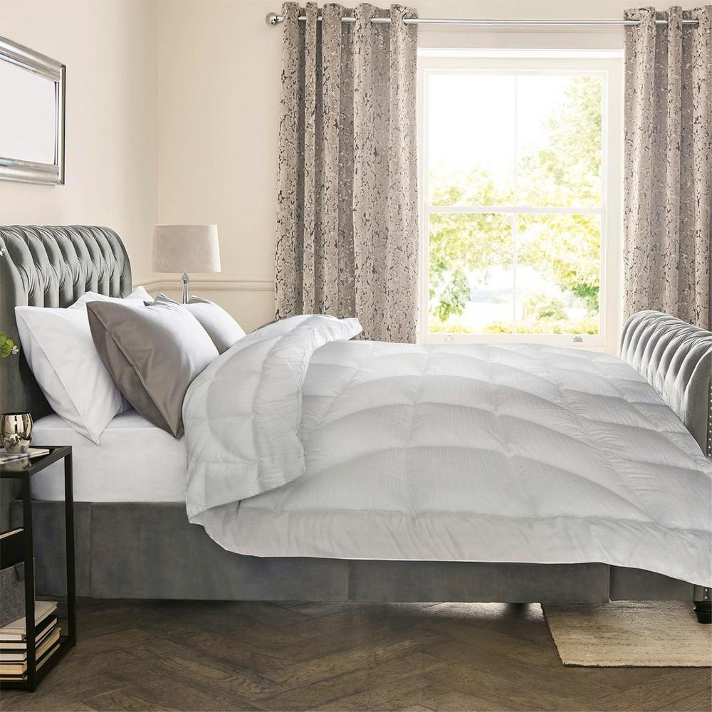 A1 Home Collections 88 In X 92 In Down Alternative Comforter