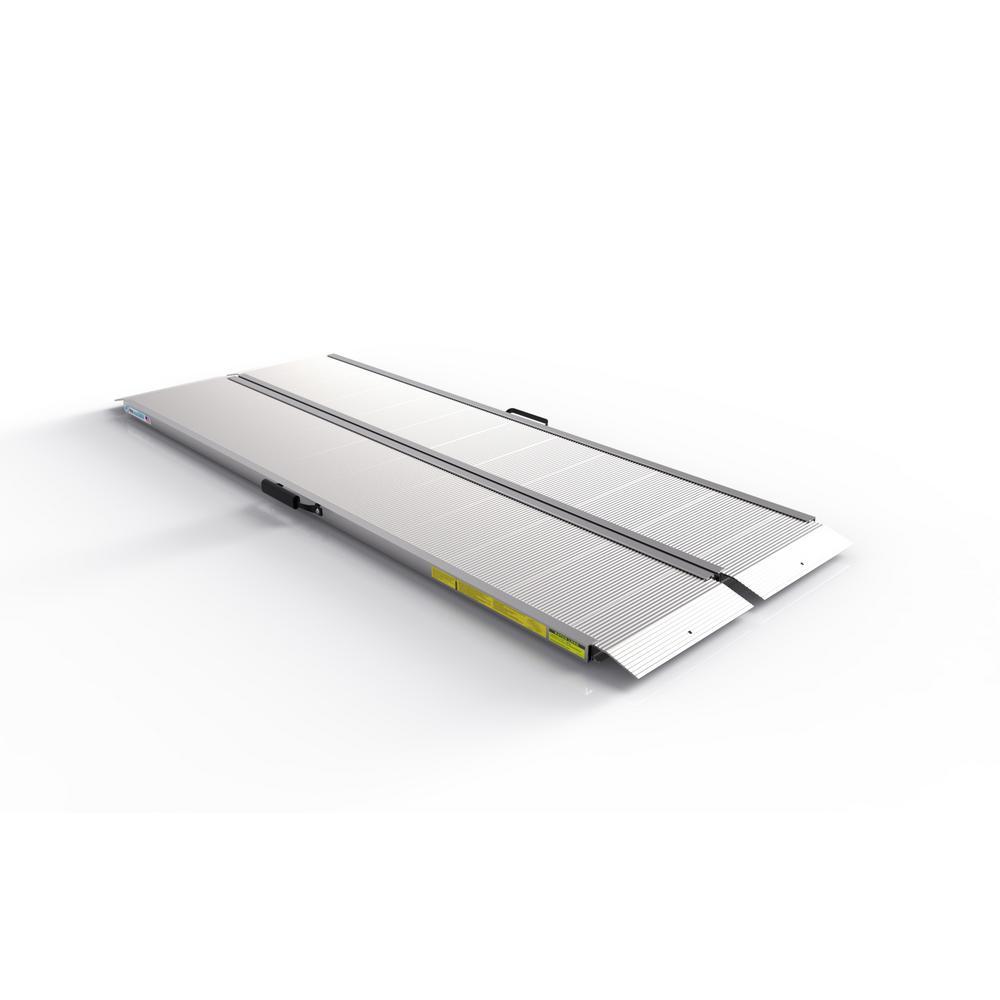 TRAVERSE 6 ft. Singlefold Edgeless Aluminum Loading Ramp