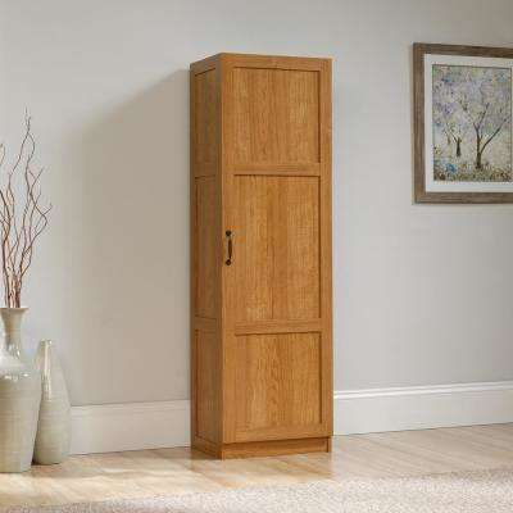 Highland Oak Storage Pantry
