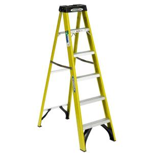 Werner 6-Feet Fiberglass Step Ladder with 225 lb. Load Capacity Type II Duty Rating