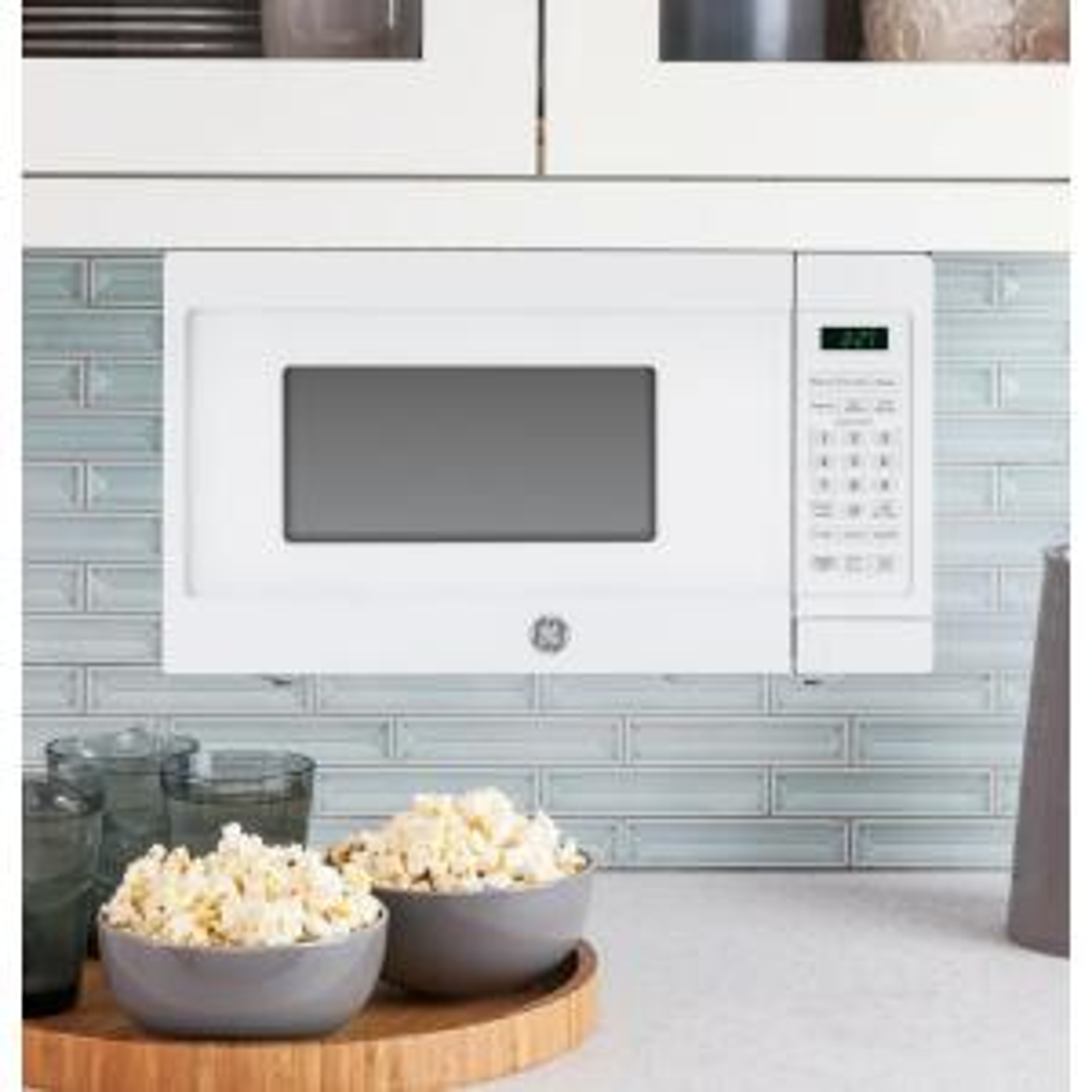 So Sku 1001263152 Ge 0 7 Cu Ft Small Countertop Microwave