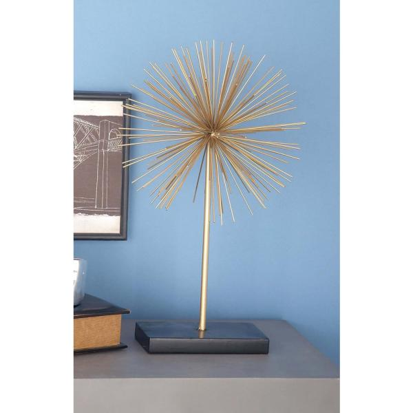 CosmoLiving by Cosmopolitan Decorative 3D Star Sculptures in Gold Finished Iron