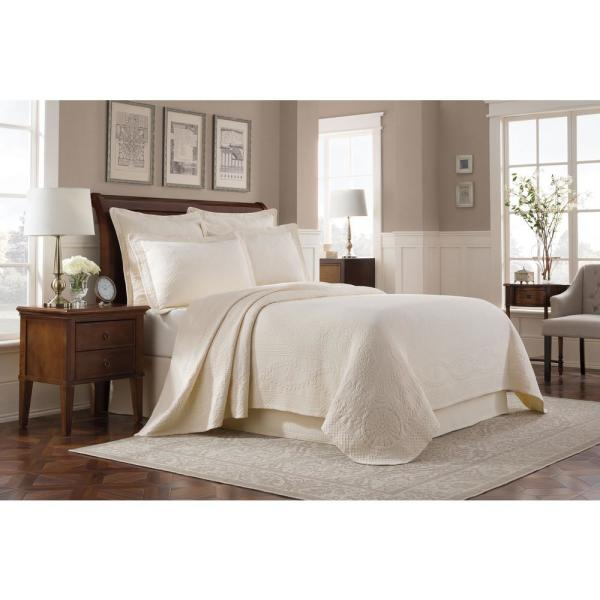 Royal Heritage Home Williamsburg Abby Ivory Solid Full Coverlet
