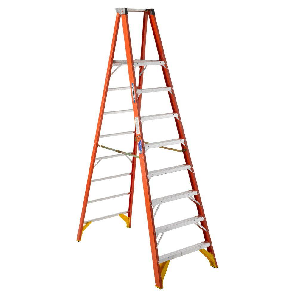 Werner 8 ft. Reach Fiberglass Platform Step Ladder with 300 lbs. Load Capacity Type IA Duty Rating