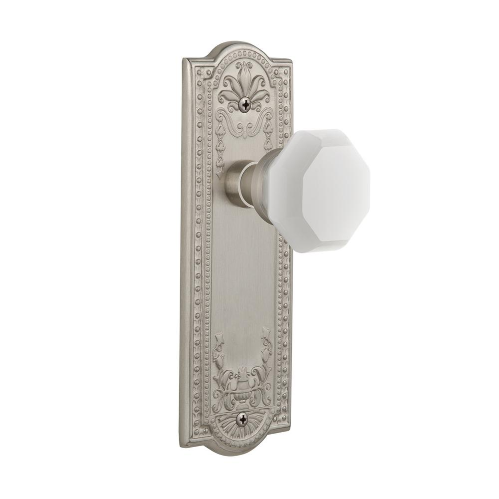 Meadows Plate Privacy Waldorf White Milk Glass Knob in Satin Nickel