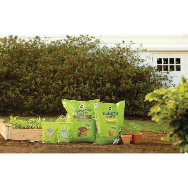 Miracle Gro Nature S Care 1 5 Cu Ft Organic Garden Soil 71959630 The Home Depot