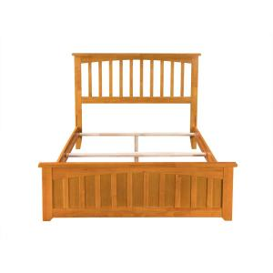 Mission Full Traditional Bed with Matching Foot Board in Caramel