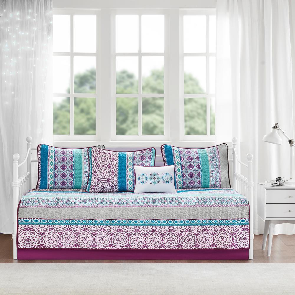 Intelligent Design Adley 6 Piece Purple Daybed Bedding Set