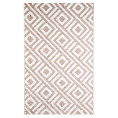 Malibu Beige/White 6 ft. x 9 ft. Outdoor Reversible Area Rug