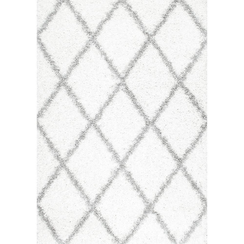 nuLOOM Shanna Shag White 5 ft. 3 in. x 7 ft. 6 in. Area Rug