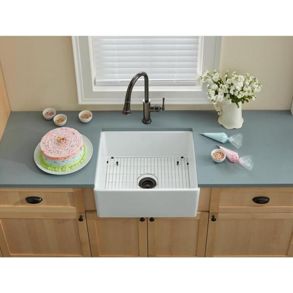 Elkay Farmhouse Apron Front Fireclay 24 In Single Bowl Kitchen Sink In White Swuf2520wh The Home Depot