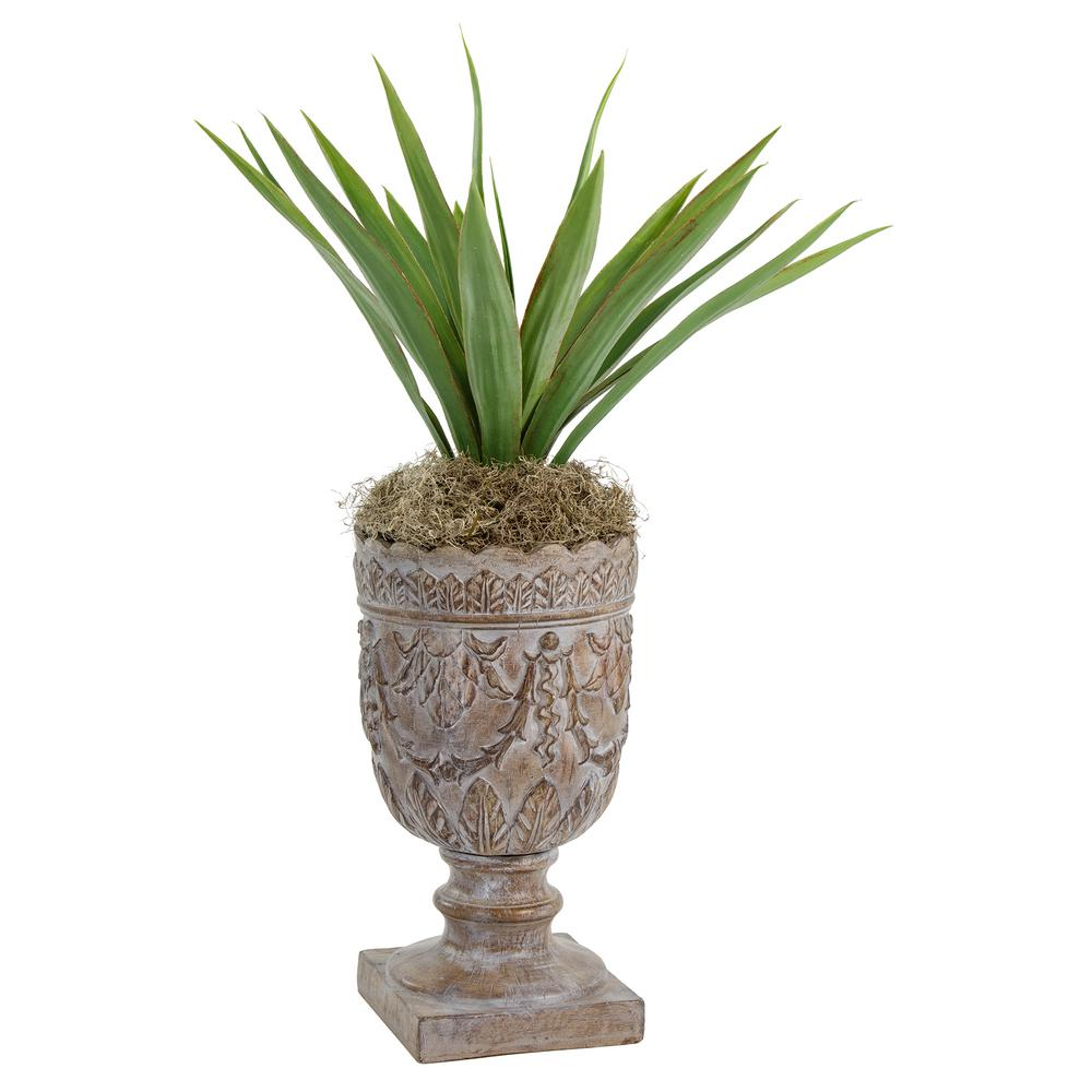 Bombay Outdoors - Planters - Pots & Planters - The Home Depot