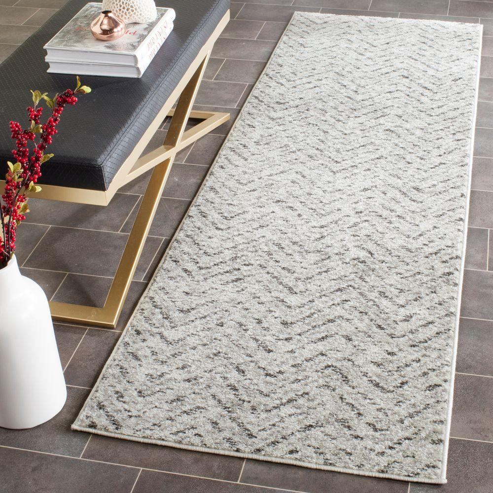 Adirondack Ivory/Charcoal 2 ft. 6 in. x 8 ft. Runner