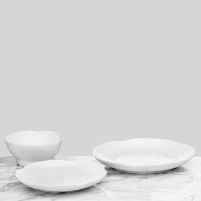 Pearl 4-Piece Traditional White Melamine Outdoor Dinnerware Set (Service for 4)