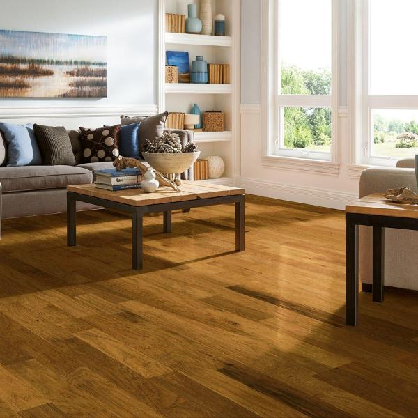 Bruce Hickory Honeycomb 3 8 In Thick X 5 In Wide X Varying Length Engineered Hardwood Flooring 25 Sq Ft Case Ramv5hhc The Home Depot