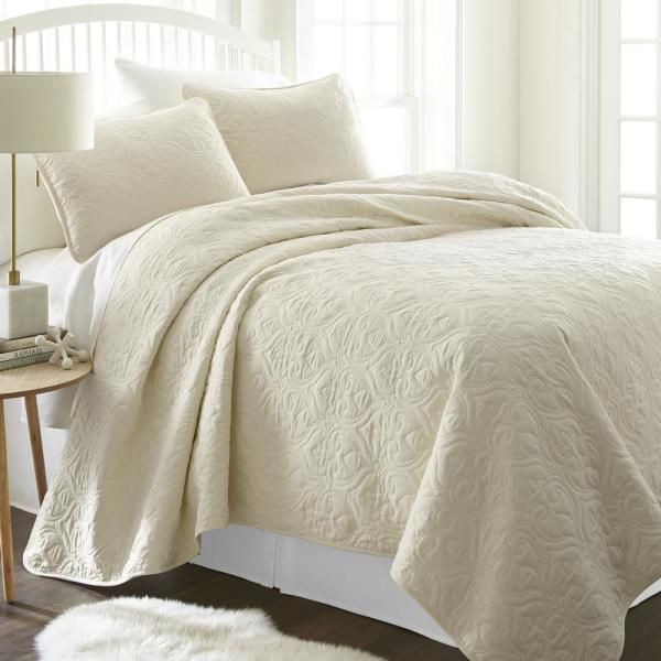Damask Ivory Microfiber Queen Performance Quilted Coverlet Set