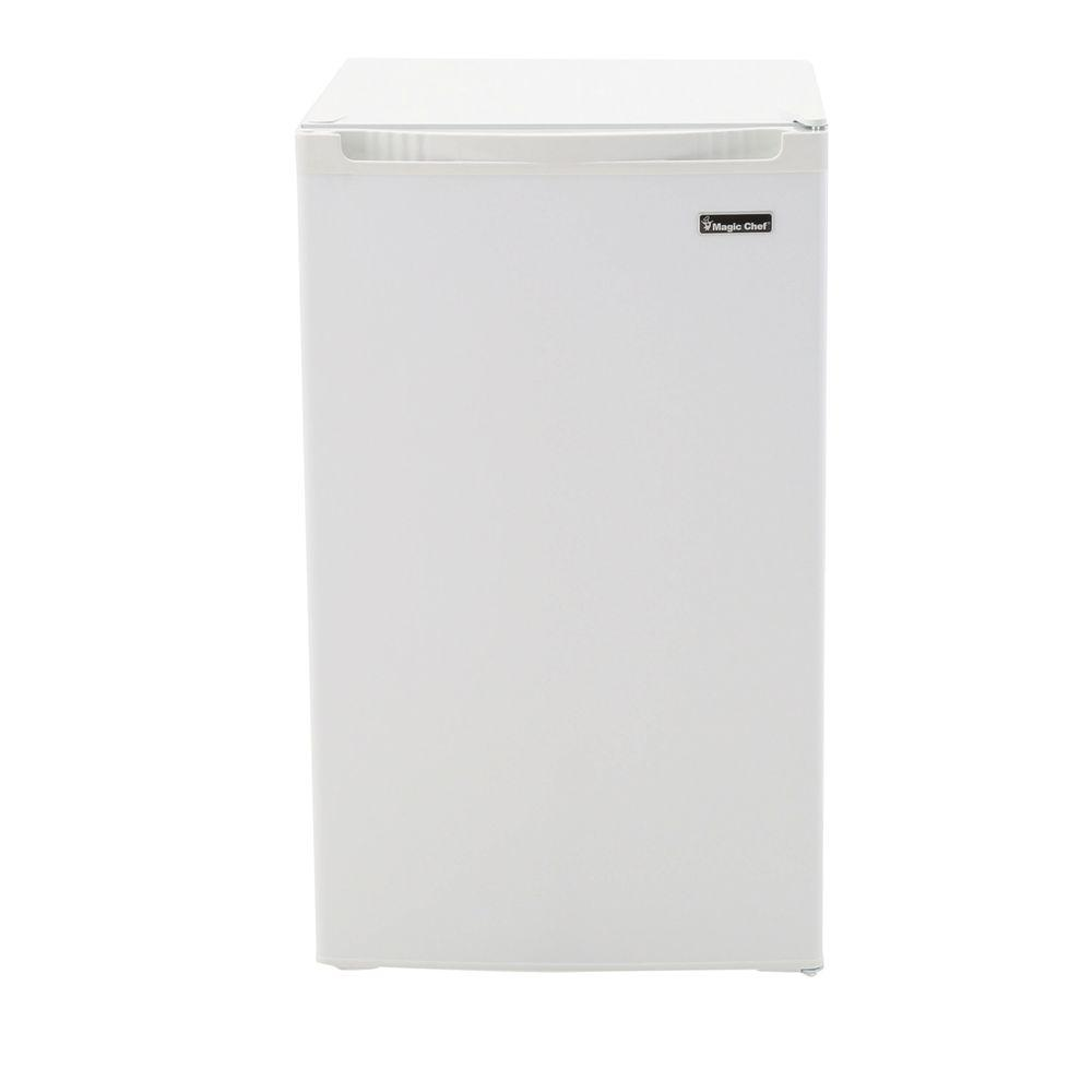 Magic Chef 44 Cu Ft Mini Refrigerator In White Hmbr440we The