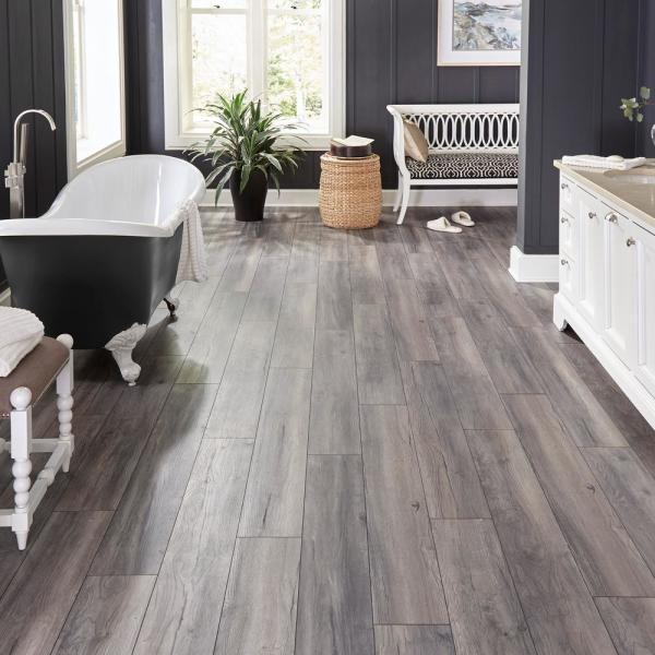 Home Decorators Collection Eir Waveford Gray Oak 12 Mm Thick X 7 1 2 In Wide X 50 2 3 In Length Laminate Flooring 18 42 Sq Ft Case Hdcwr02 The Home Depot