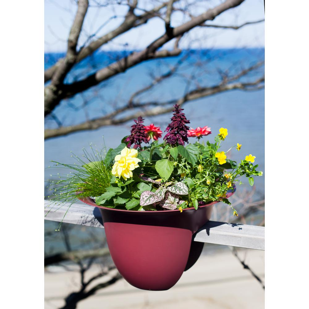 18 in. Union Red Plastic Modica Rail Planter