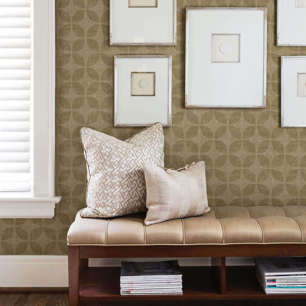 Polaris Gold Geometric Wallpaper