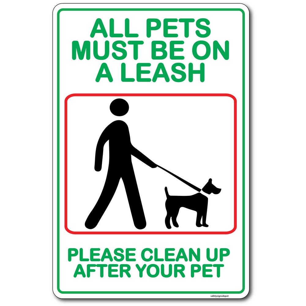 Dogs Pets Must Be On Leash Plastic
