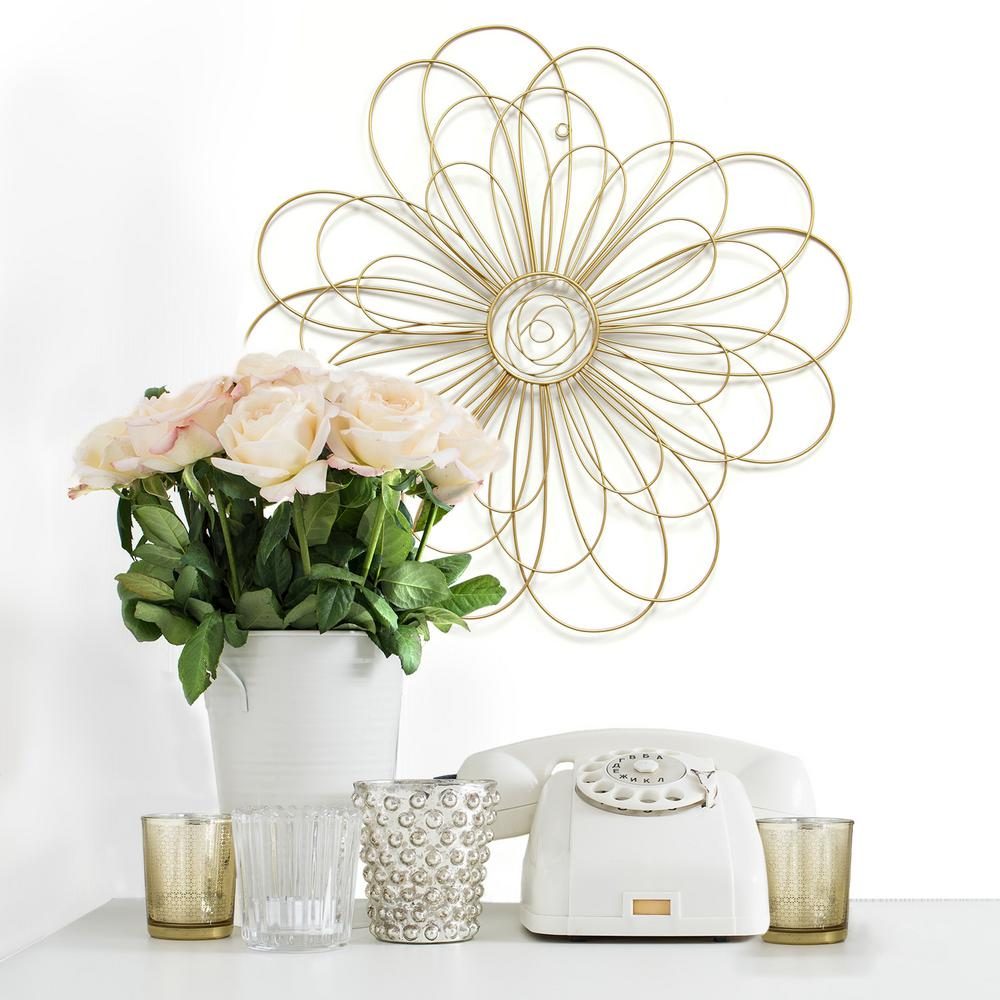 Stratton Home Decor Gold Metal Wire Flower Wall